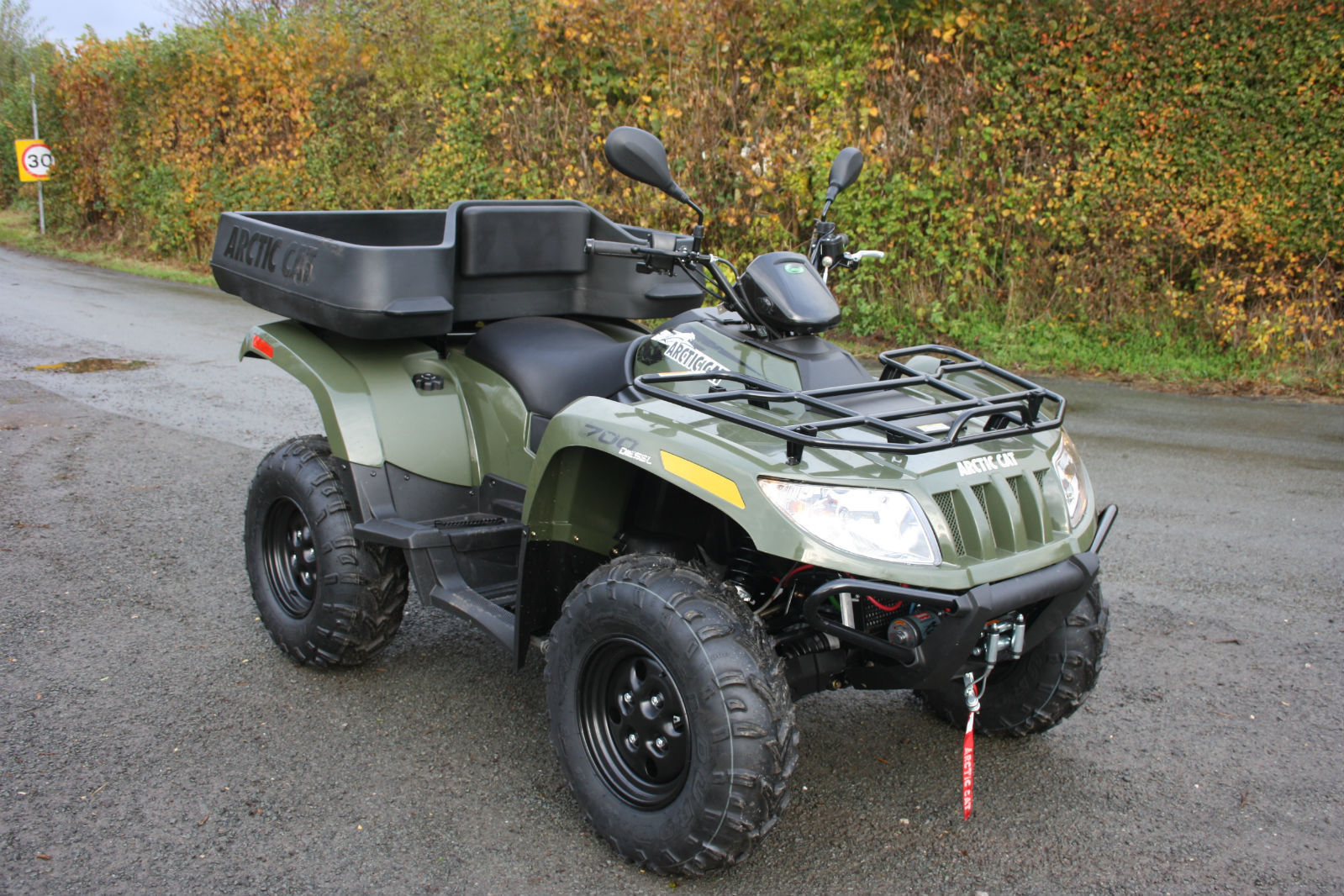 arctic cat 700 diesel 4x4 road legal atv farm quad with cargo box. Black Bedroom Furniture Sets. Home Design Ideas