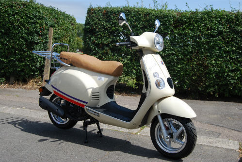 baotian monza 125 retro scooter. Black Bedroom Furniture Sets. Home Design Ideas
