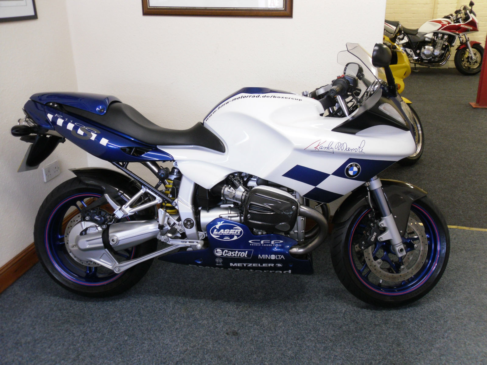 bmw r 1100 s boxer cup randy mamola signed replica 1 owner full bmw history. Black Bedroom Furniture Sets. Home Design Ideas