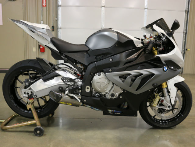 Bmw S 1000 Rr Like New Full Exhaust Matte Grey Carbon Fiber S1000