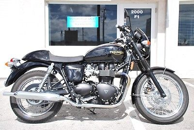 Bonneville T100 This Bike Is Show Room Condition Any Question
