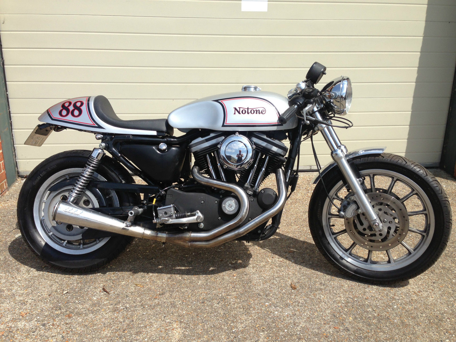 CAFE RACER HARLEY REDMAX BUILT TRITON NORTON CLASSIC NORVIN MANX STYLE