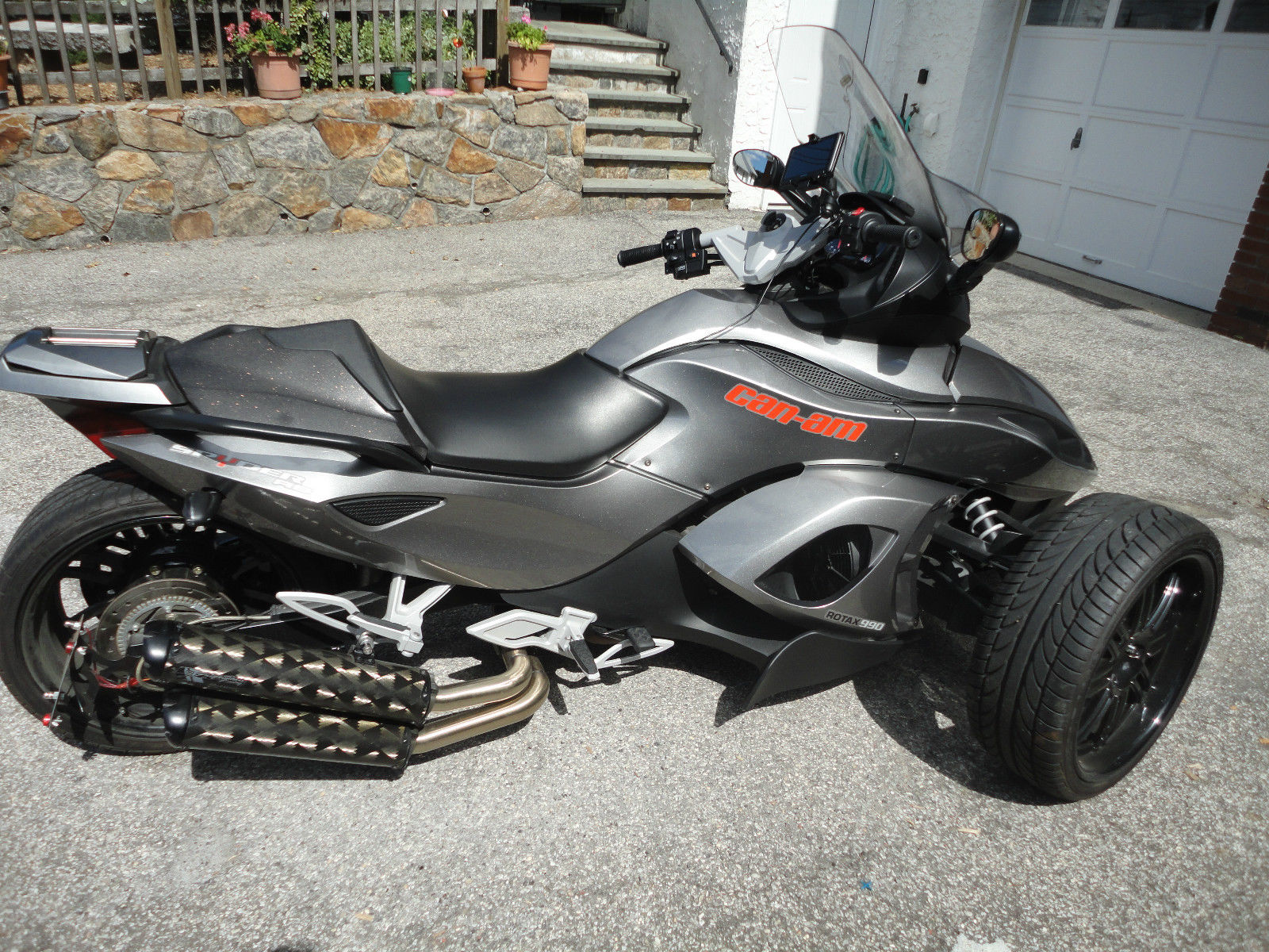 can am spyder rs s se5 with less than 3 5k miles reduced again 13500. Black Bedroom Furniture Sets. Home Design Ideas
