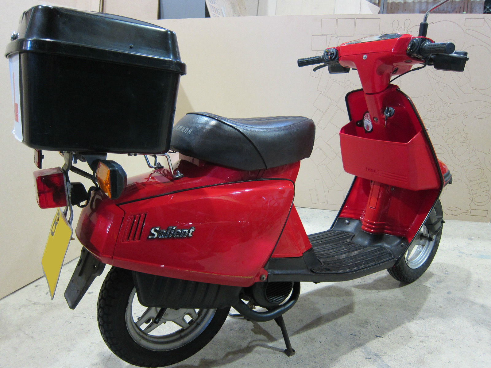 classic 1985 yamaha ca 50 salient scooter riva moped another one for spares. Black Bedroom Furniture Sets. Home Design Ideas