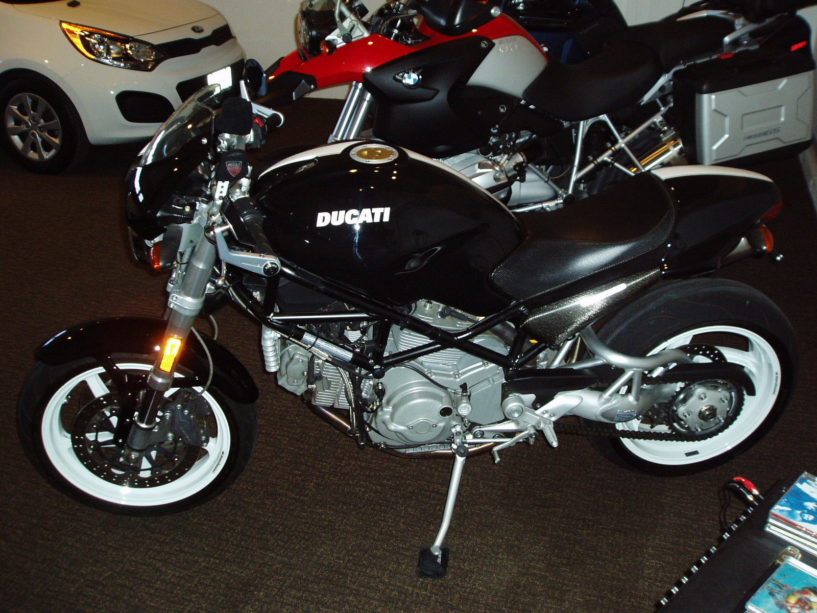 ducati monster s2r 1000. Black Bedroom Furniture Sets. Home Design Ideas