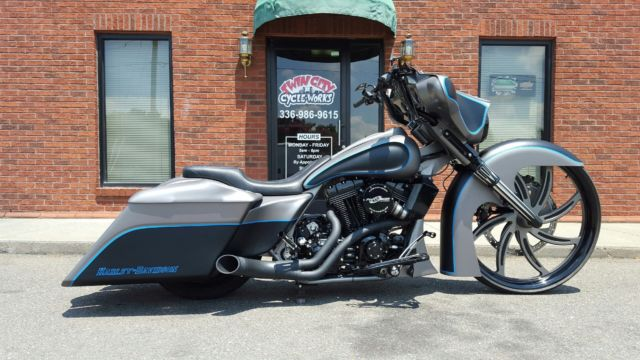Flhx Street Glide Forgiatto 30 Wheel Air Ride Stretched Bags Tank Pro Charger