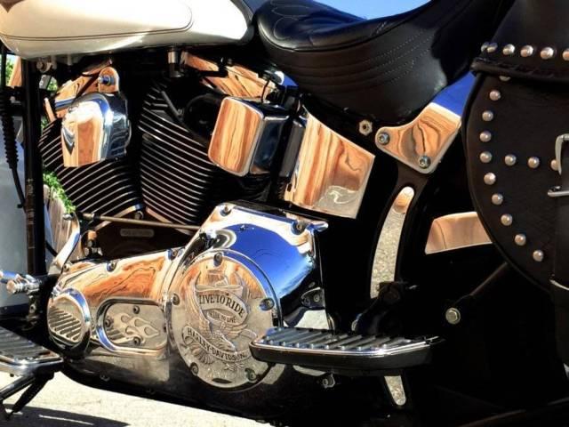 FLSTC Heritage Classic Softail Vance Hines Exhaust Corbin Seat