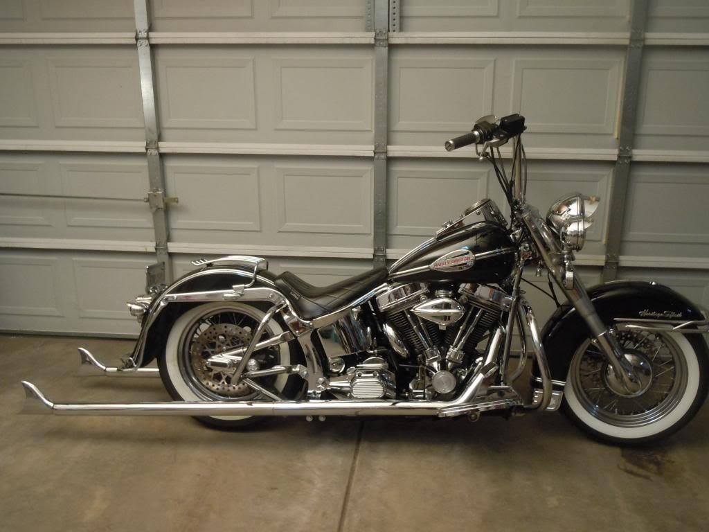 rear crash bars for softail with 18493 Heritage Softail Cholo Glide Knucklehead Chopper Panhead Custom Vintage Lowrider on 331111 Lindby Bar And Forward Controls as well 221714107934 moreover 216171 together with Mustang One Piece Seat 2000 2006 Harley Davidson Softail 3 furthermore 191088944185.