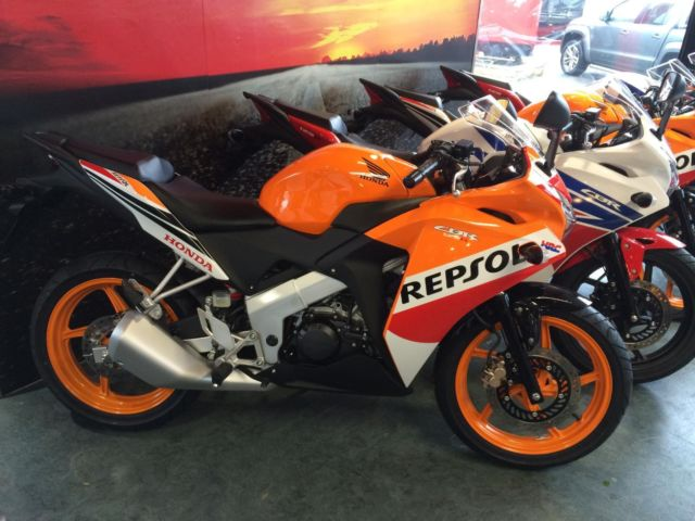 honda cbr 125 r 2015 repsol 0 apr representative only. Black Bedroom Furniture Sets. Home Design Ideas