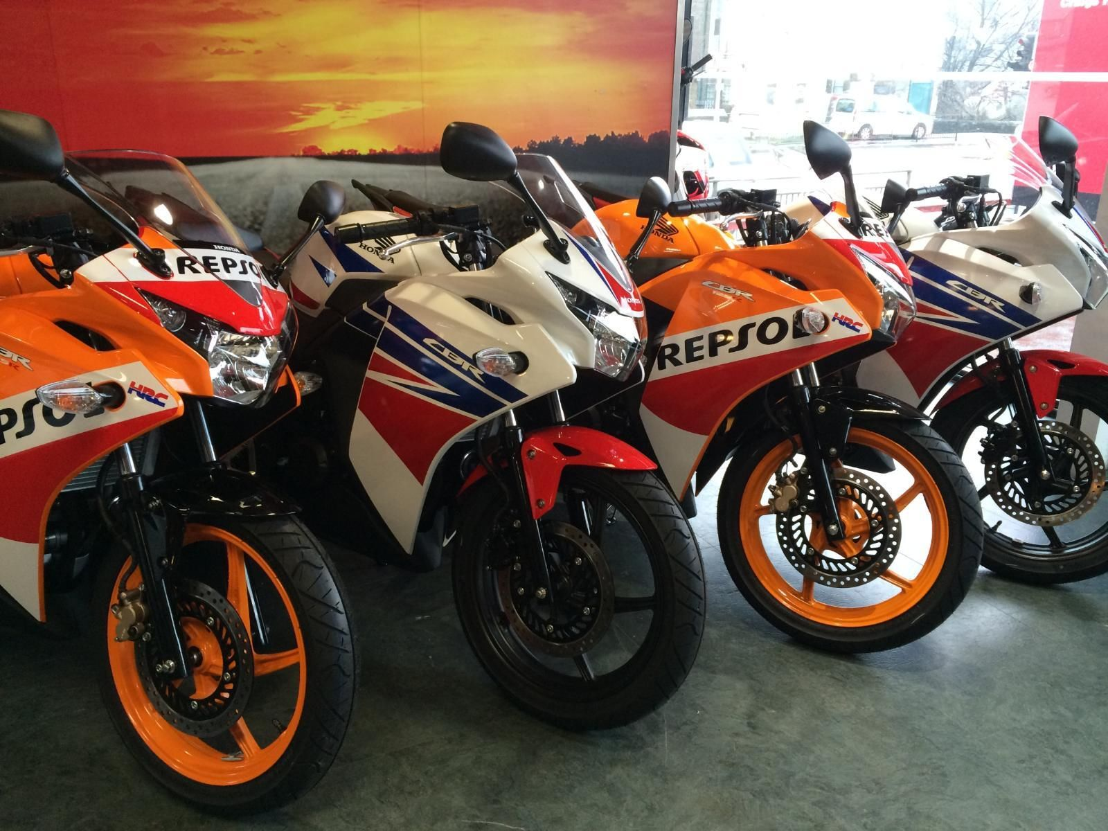 honda cbr 125 r repsol 2015 0 apr representative only 99 deposit. Black Bedroom Furniture Sets. Home Design Ideas