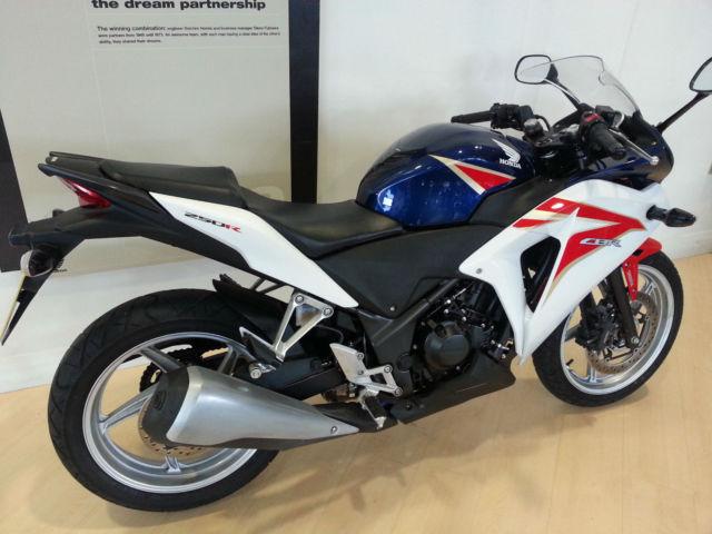 honda cbr 250 r abs 250cc sport motorcycle. Black Bedroom Furniture Sets. Home Design Ideas