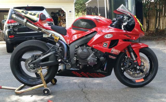 Honda Cbr 600rr Trackrace Bike