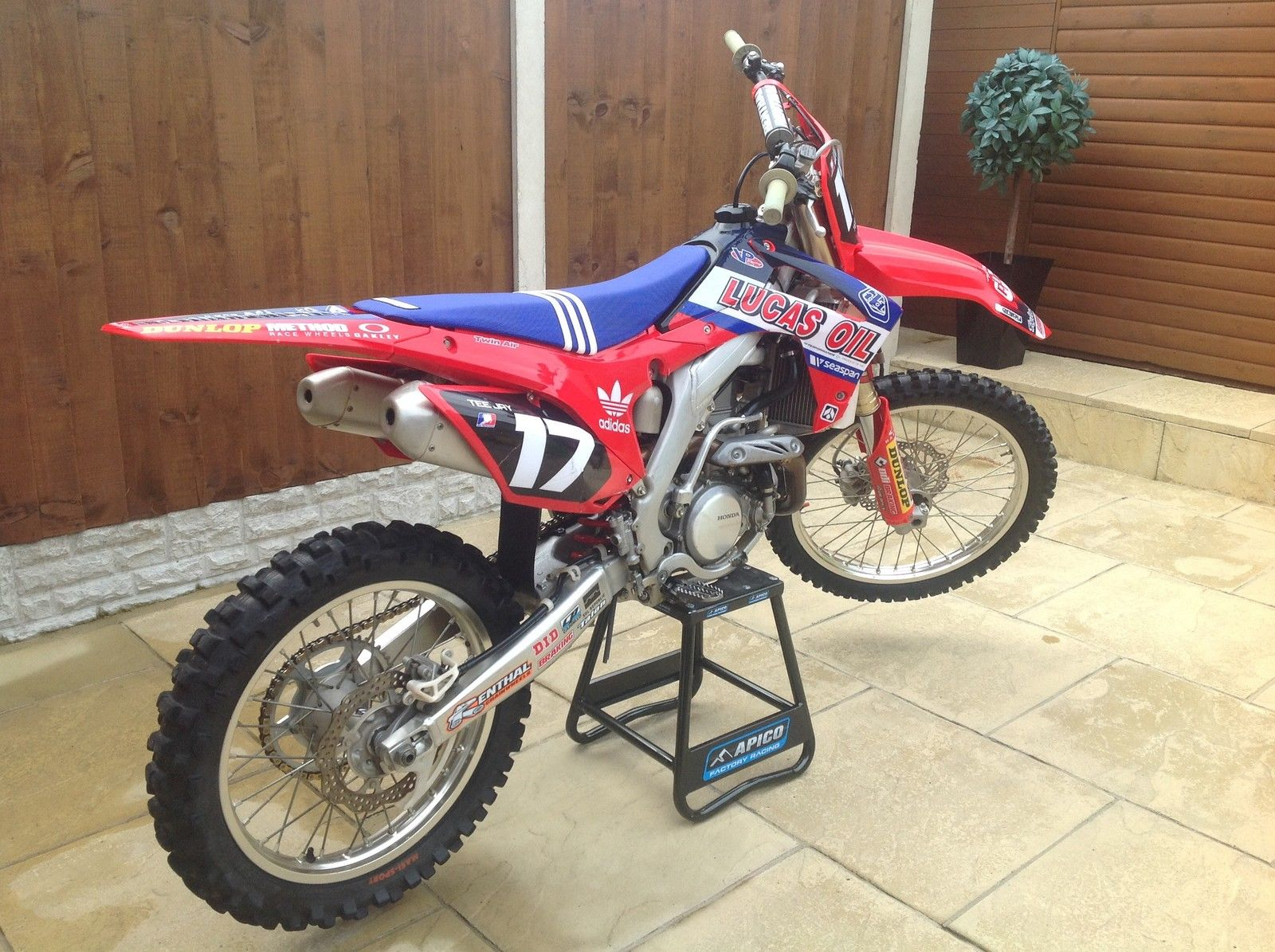 honda crf 450 moto cross bike stunning condition part ex. Black Bedroom Furniture Sets. Home Design Ideas