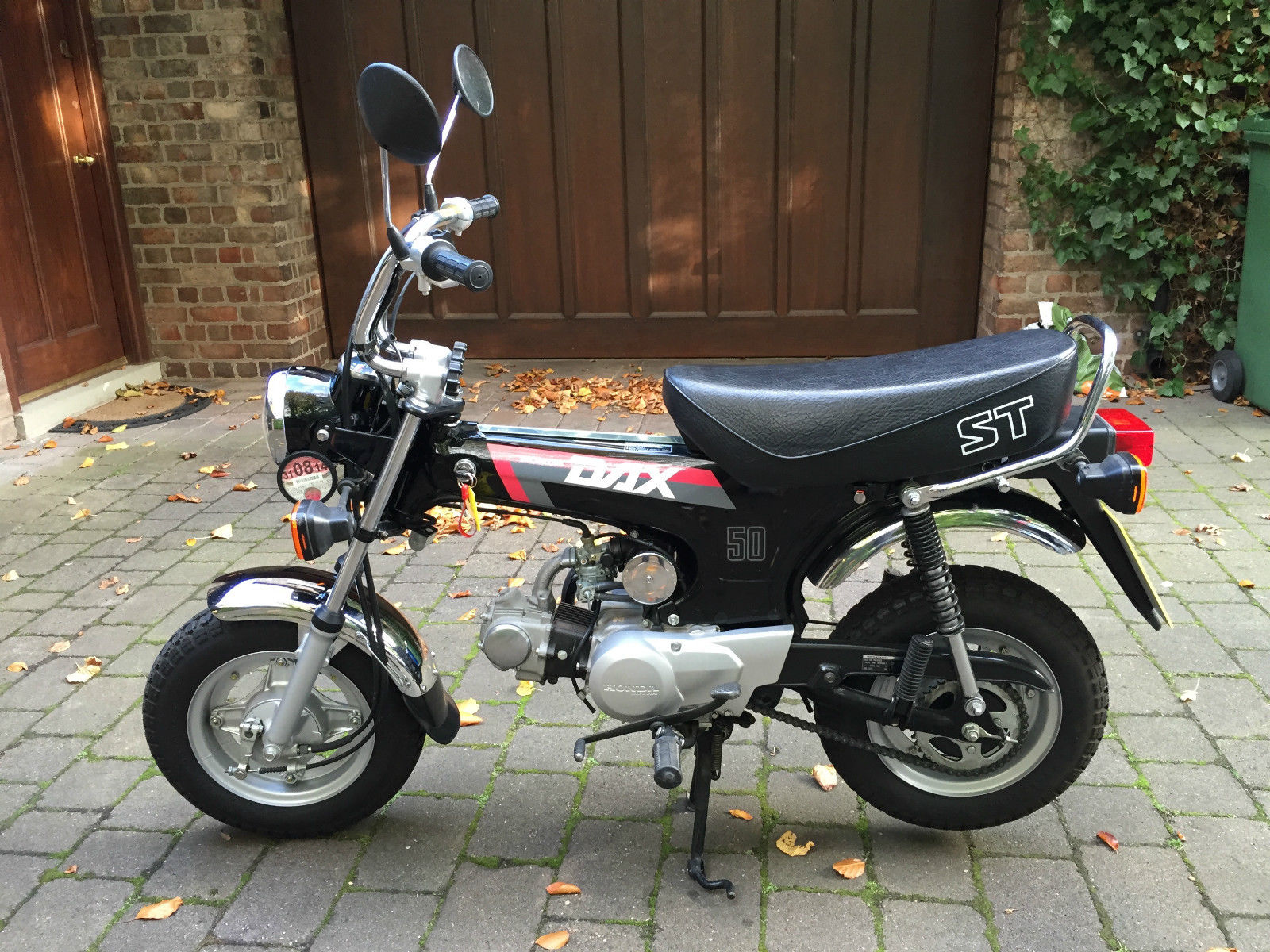 honda dax st50 k 752 miles monkey bike 50cc. Black Bedroom Furniture Sets. Home Design Ideas