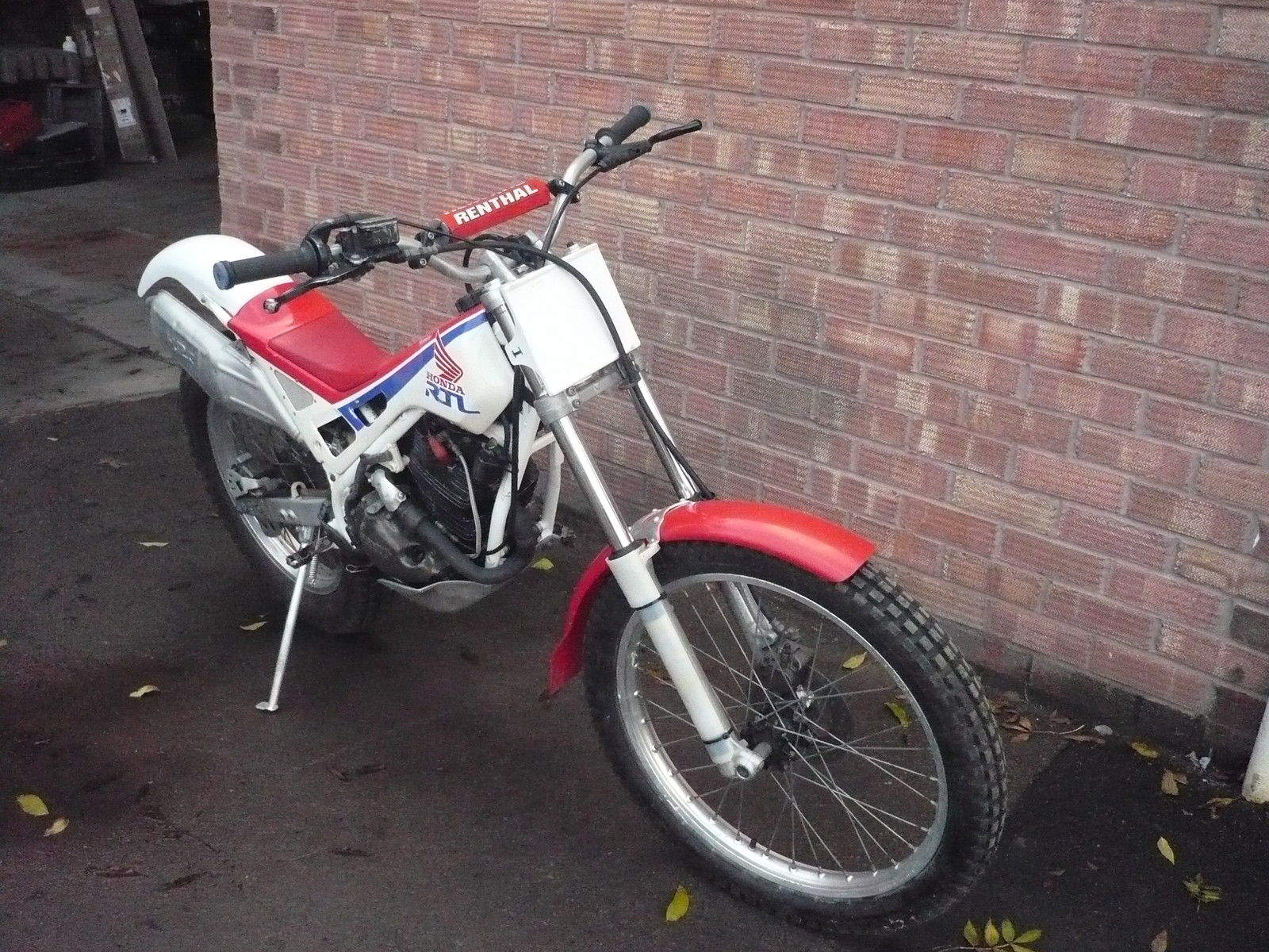 Honda RTL 250 trials bike - 1989 (not TLR250)