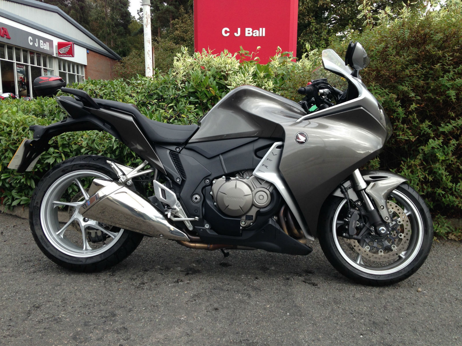 honda vfr 1200 f d silver 1192 miles. Black Bedroom Furniture Sets. Home Design Ideas