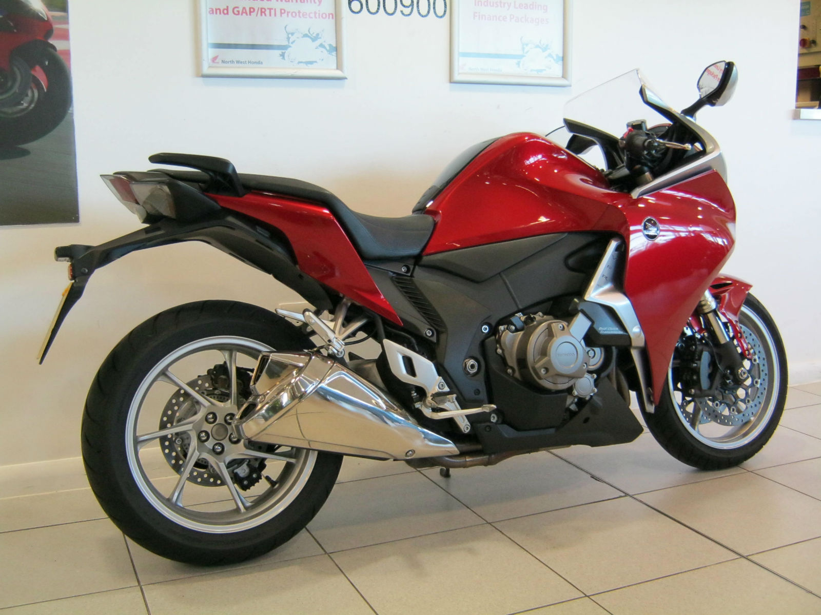 honda vfr 1200 fd d dct sports tourer ex demonstrator red fdsh metallic. Black Bedroom Furniture Sets. Home Design Ideas
