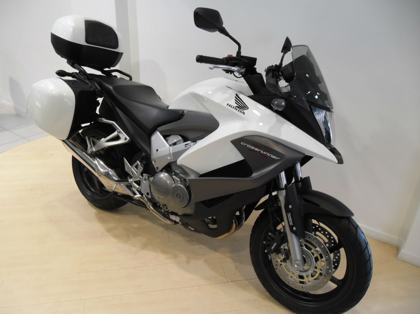 honda vfr 800 x crossrunner 800cc adventure motor. Black Bedroom Furniture Sets. Home Design Ideas