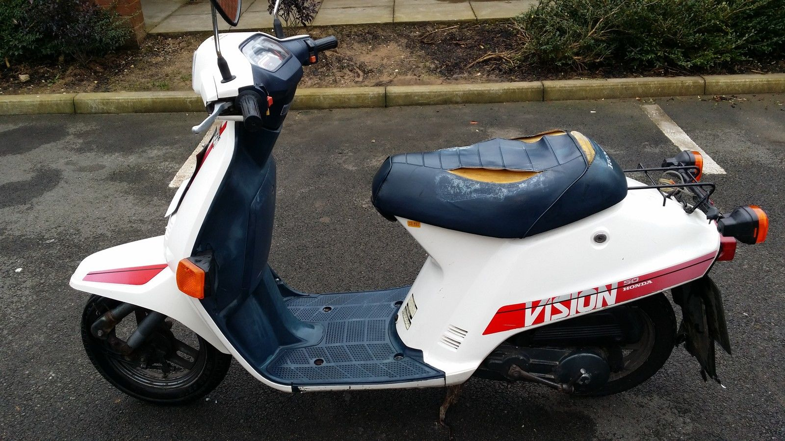 honda vision 50 ne50mff retro 90 39 s 49cc moped scooter. Black Bedroom Furniture Sets. Home Design Ideas