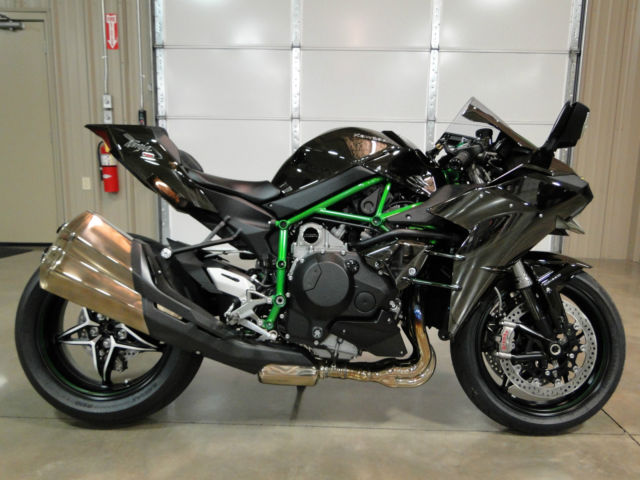 Kawasaki H2 Ninja Super Charged Collector Street Bike Rare Rocket