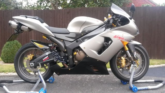 Kawasaki Zx6r 636 2006 10k Miles Nitron Shock Quickshifter Carbon