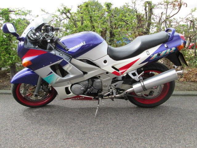 Kawasaki ZZR600 1995 motorcycle