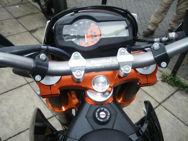 2009 aprilia dorsoduro 750 how to change drive modes