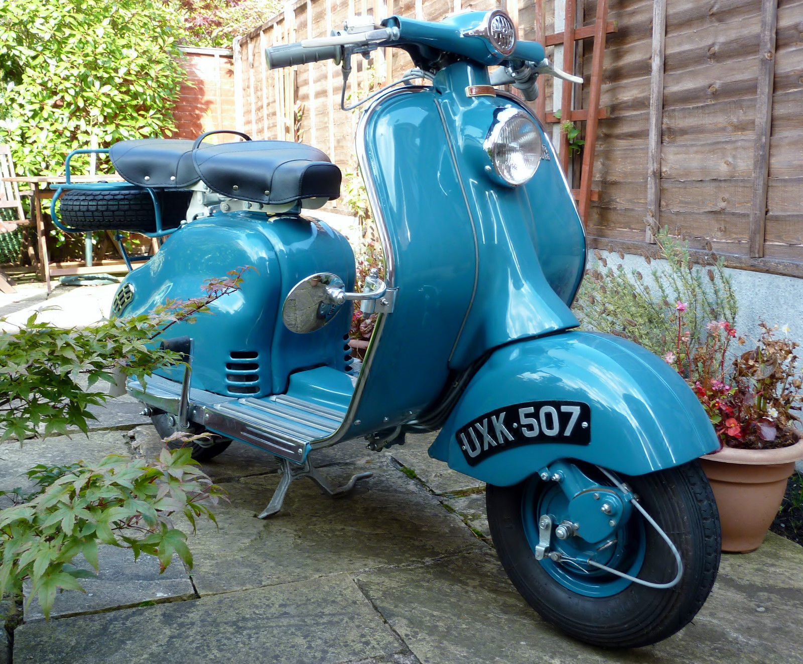 1954 lambretta ld 150 pictures to pin on pinterest pinsdaddy. Black Bedroom Furniture Sets. Home Design Ideas
