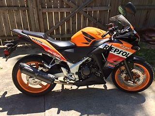 Like New 2013 Honda Repsol Cbr 250