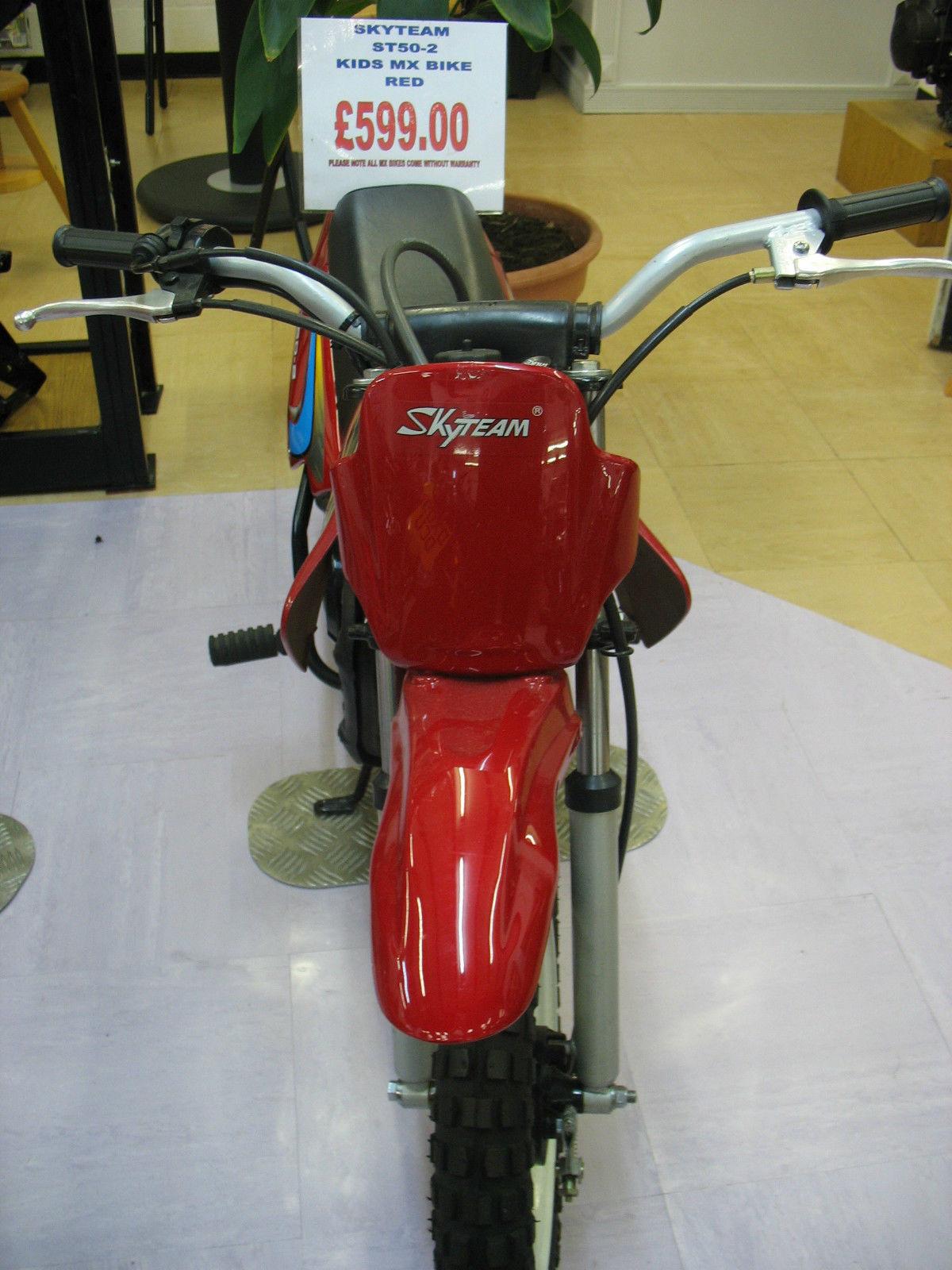 MX BIKE KIDS OFF ROAD BIKE BRAND NEW FOR CHRISTMAS RED 50cc