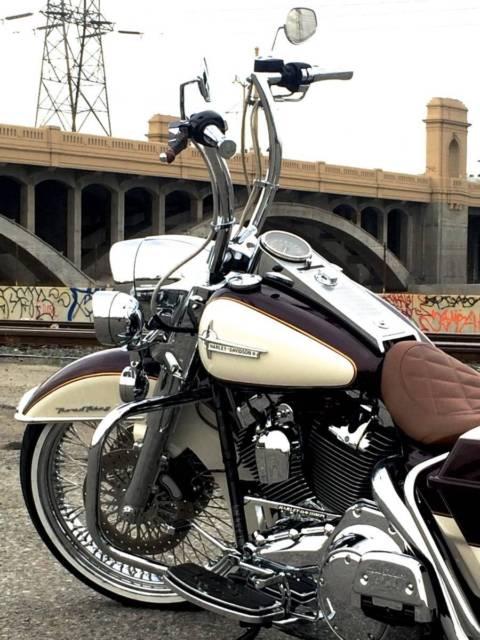 "Harley Davidson Saddlebags: OEM Road King Stretch Saddlebags Air Ride 21"" Front Wheel"
