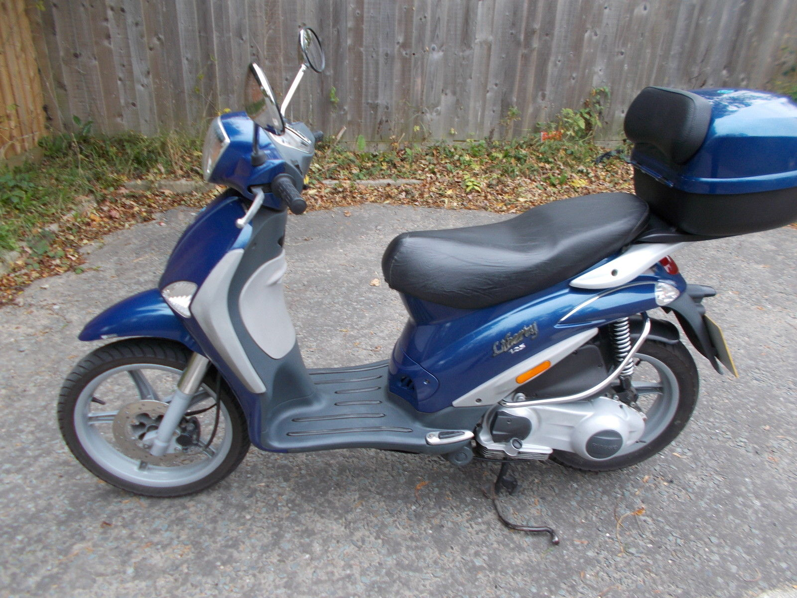 piaggio liberty scooter 125cc colour blue. Black Bedroom Furniture Sets. Home Design Ideas