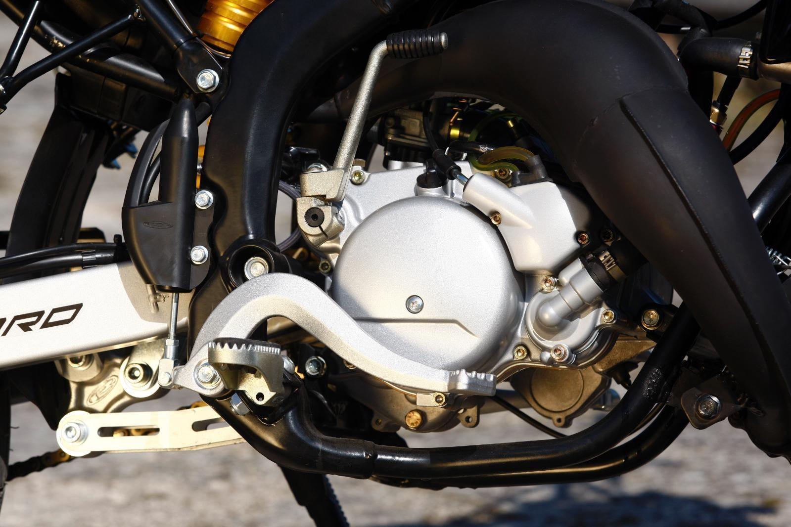 rieju mrt pro supermotard 50cc moto cross. Black Bedroom Furniture Sets. Home Design Ideas