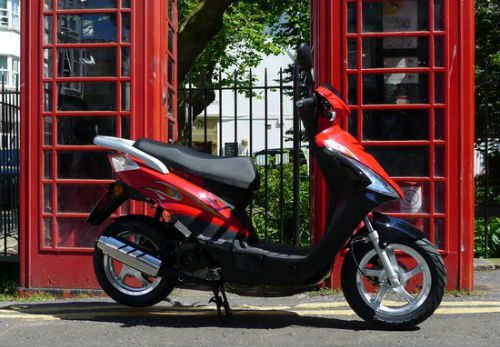 Sinnis Falcon Scooter 50cc chinese moped