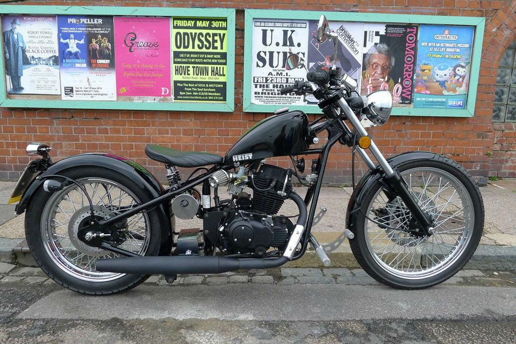 sinnis heist 125 motorbike 125cc custom bobber style learner legal motorcycle. Black Bedroom Furniture Sets. Home Design Ideas