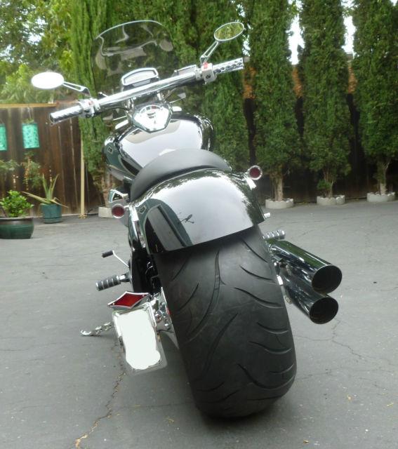 Suzuki M109r Boulevard All Custom With 300 Rear Tire And