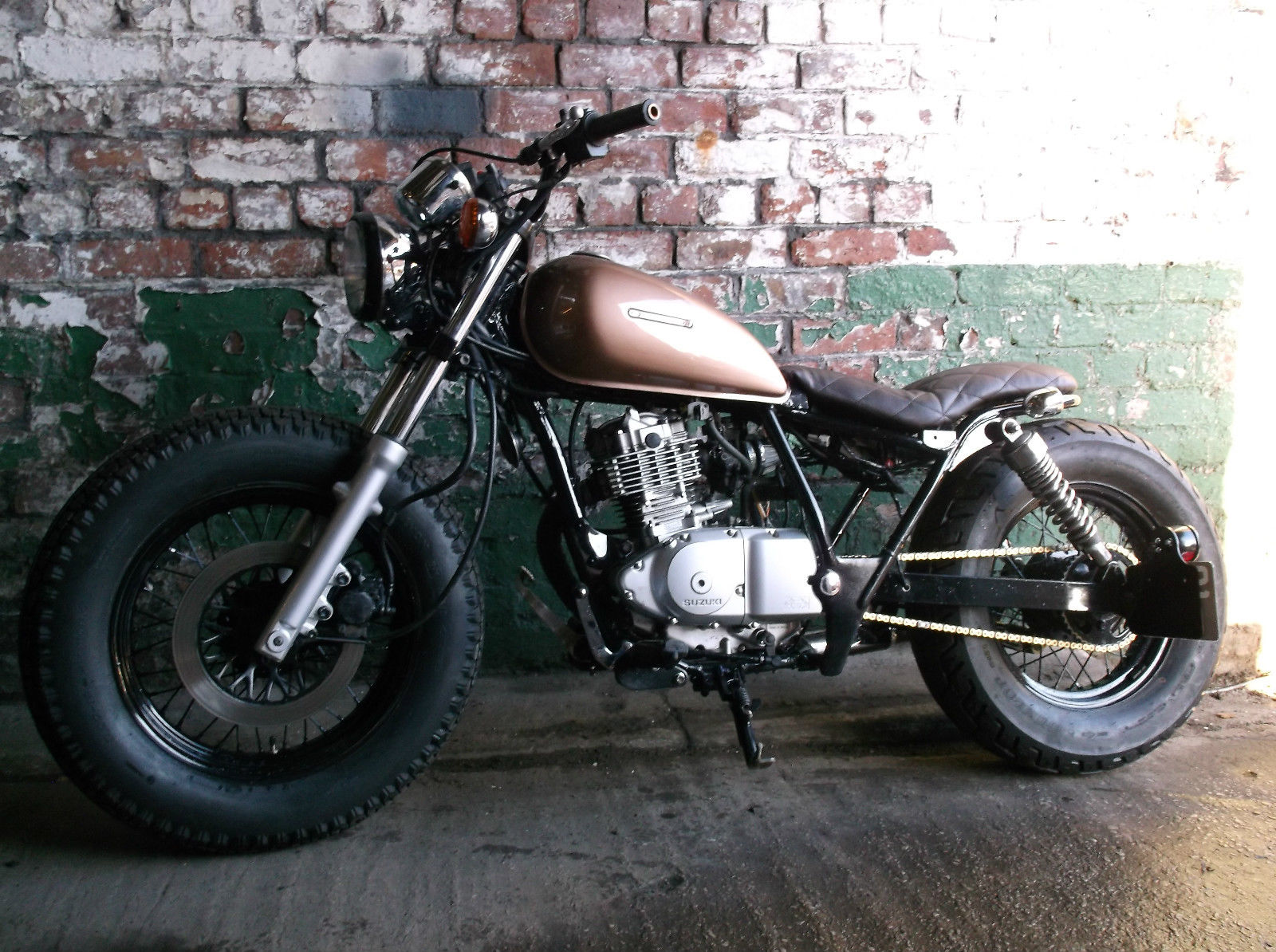 suzuki marauder gz gn 125 custom bobber tracker motorcycle. Black Bedroom Furniture Sets. Home Design Ideas