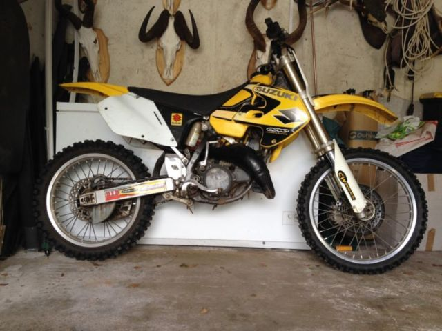 suzuki rm 125 2 stroke motocross bike. Black Bedroom Furniture Sets. Home Design Ideas