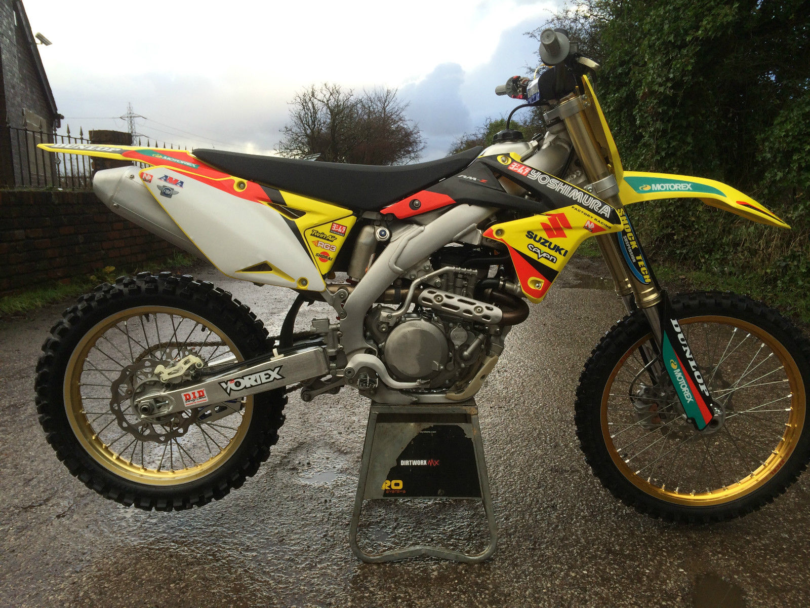 suzuki rmz450 2010 efi 4 stroke motocross bike mint condition mx. Black Bedroom Furniture Sets. Home Design Ideas