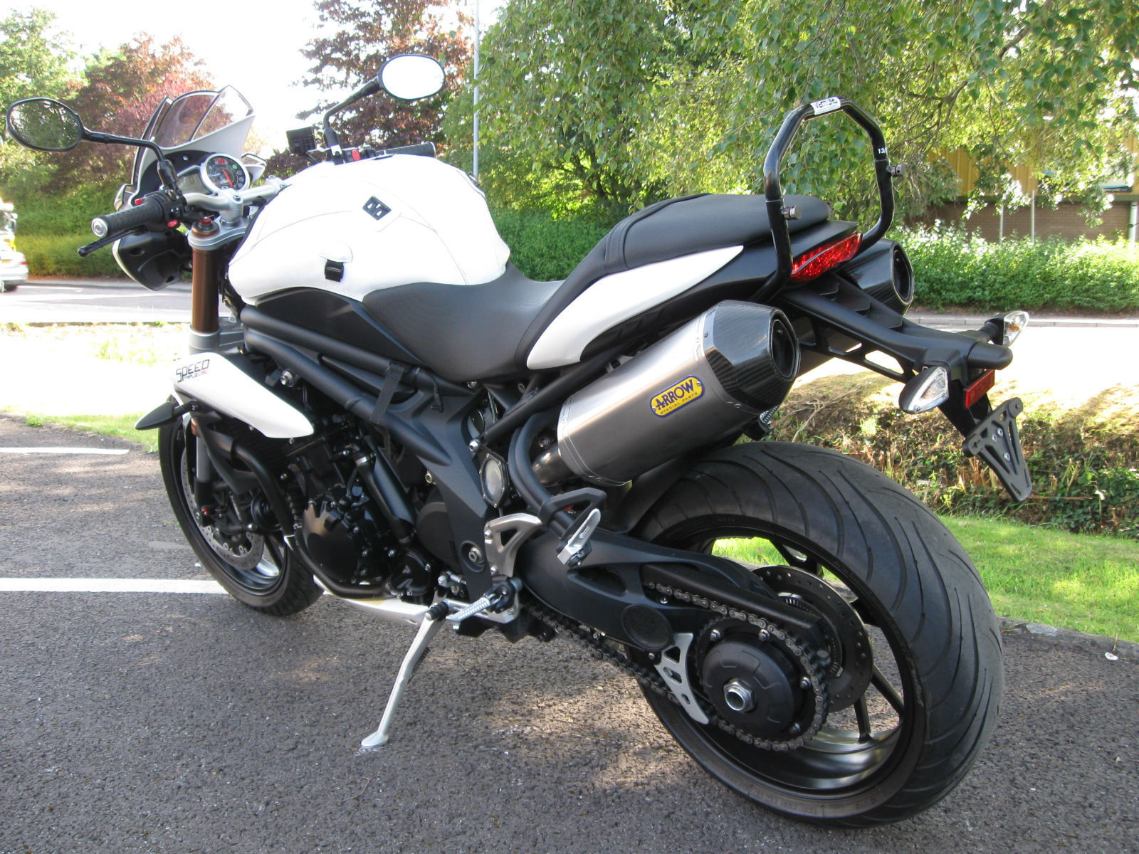 triumph speed triple 1050 abs 11 reg arrow cans ventura rack alarm. Black Bedroom Furniture Sets. Home Design Ideas
