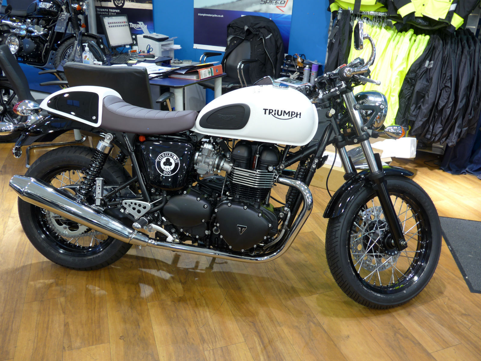 Triumph Thruxton Ace Cafe Limited Edition Only 80 Uk 500