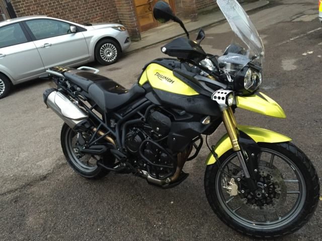 Triumph Tiger 800 2011 Venom Yellow Loaded Must Sell Make
