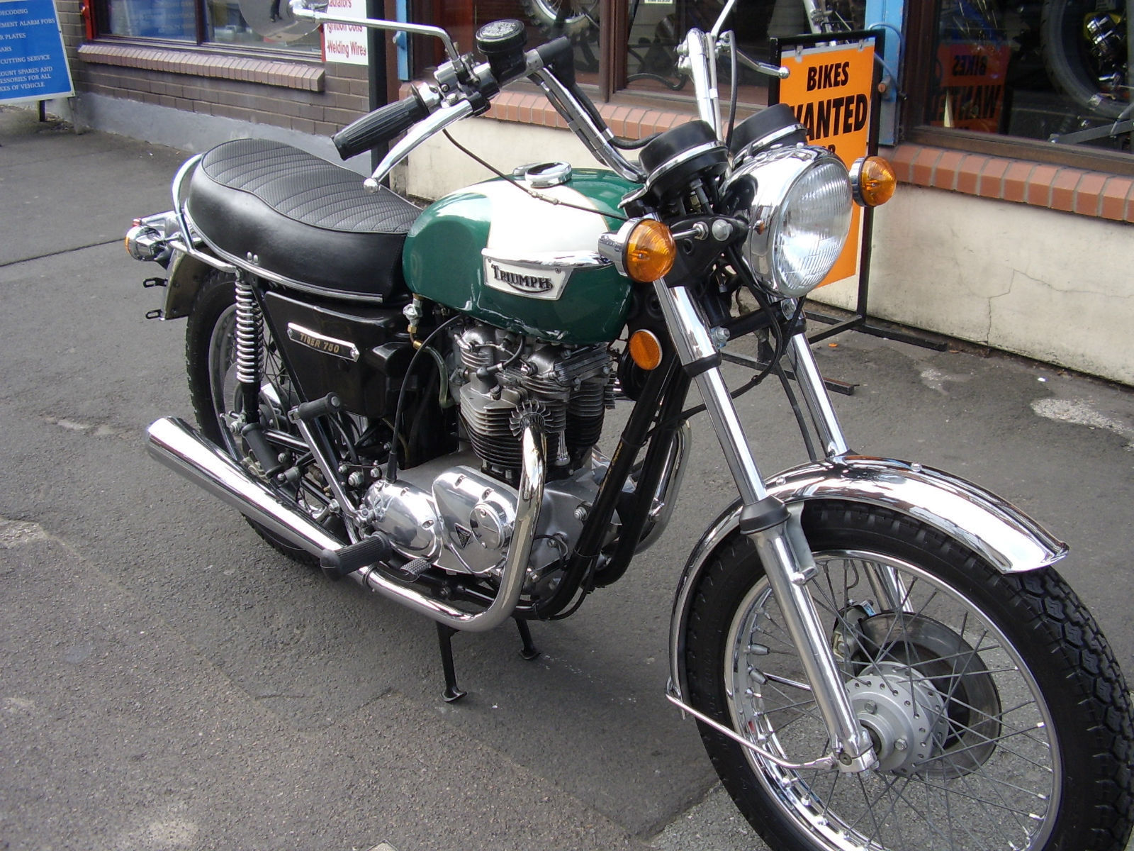 TRIUMPH TR7 TIGER 750 CLASSIC US SPEC 2,325 MLS FROM NEW MOTORCYCLE