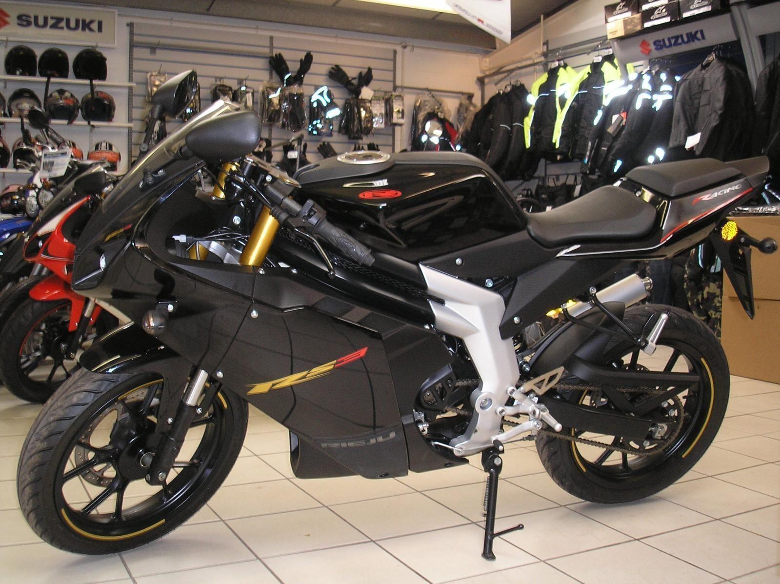 UnRegistered Rieju RS3 50cc Sports