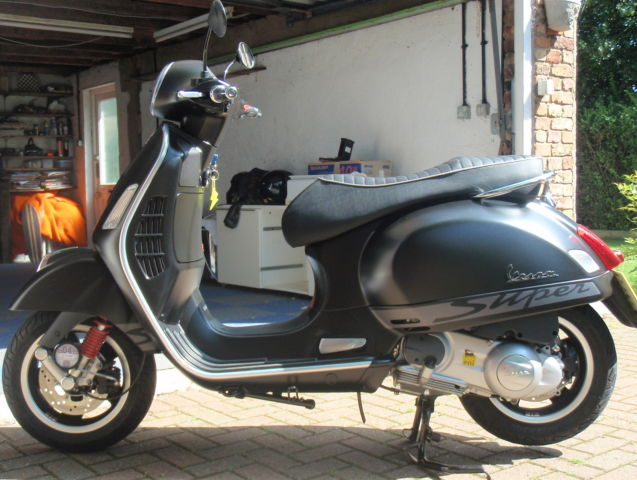 vespa 300 gts super sport 300ss. Black Bedroom Furniture Sets. Home Design Ideas
