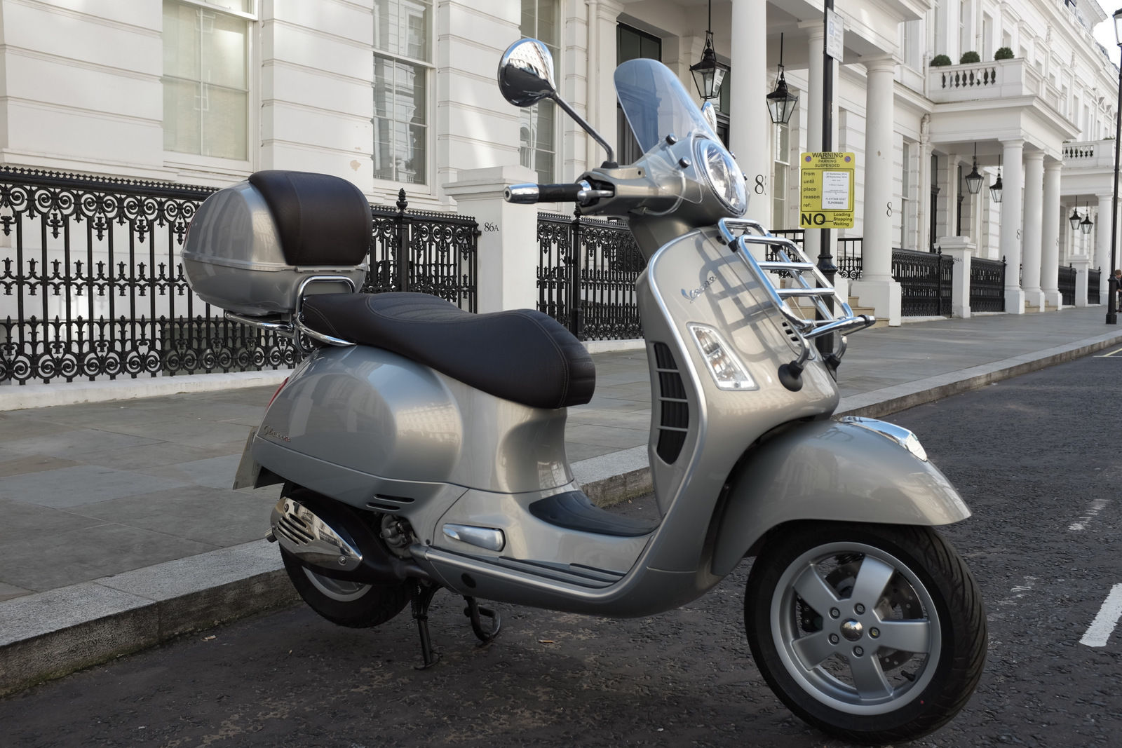 vespa gts 300 touring. Black Bedroom Furniture Sets. Home Design Ideas