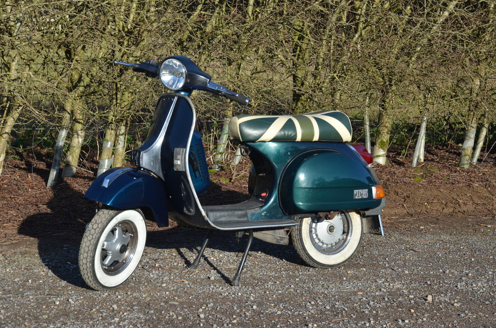 vespa px 125 fitted with dr180 kit side panels and horn cover missing. Black Bedroom Furniture Sets. Home Design Ideas