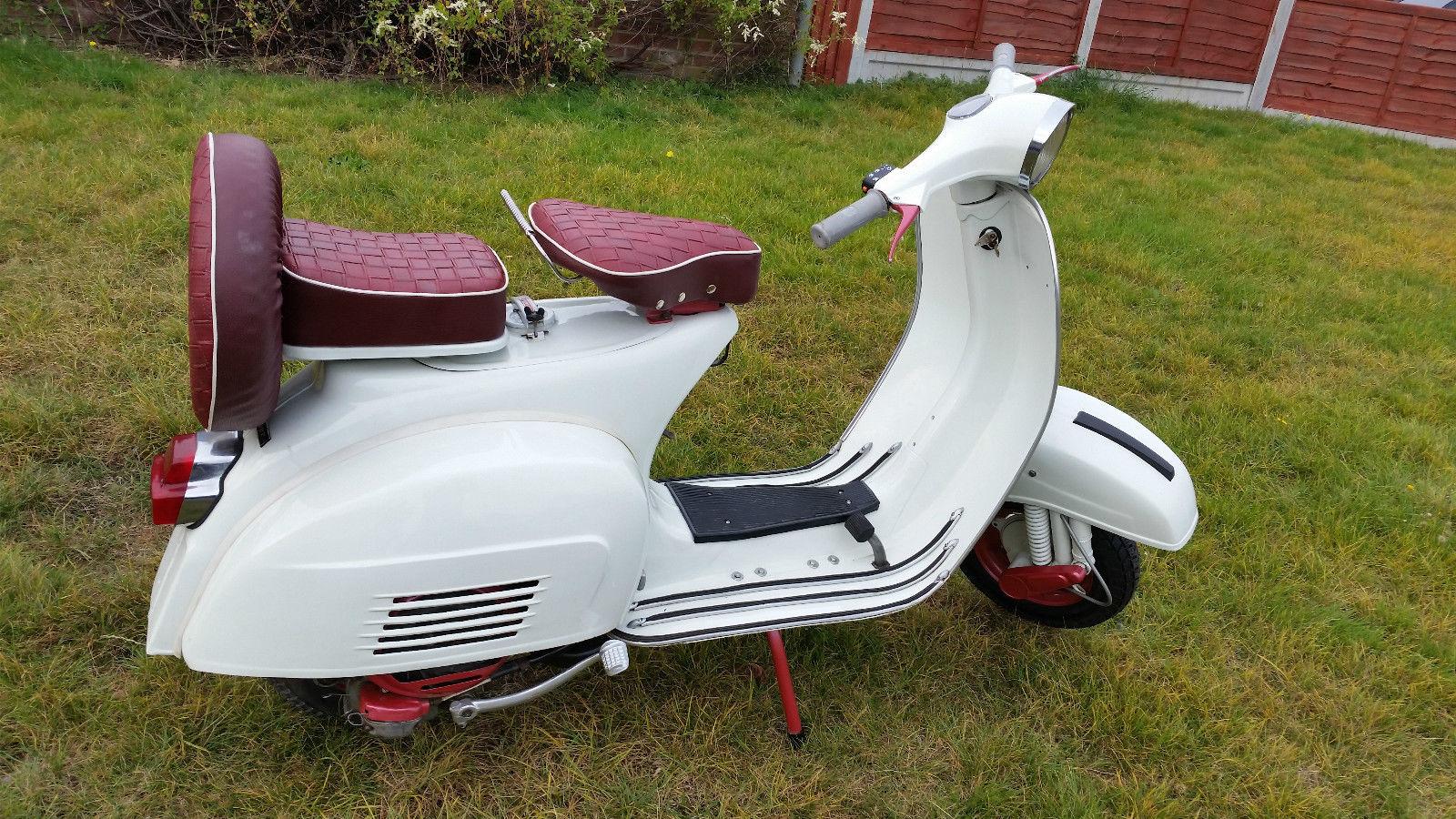 Vespa Super Series Classic Scooter Model 1968 150cc