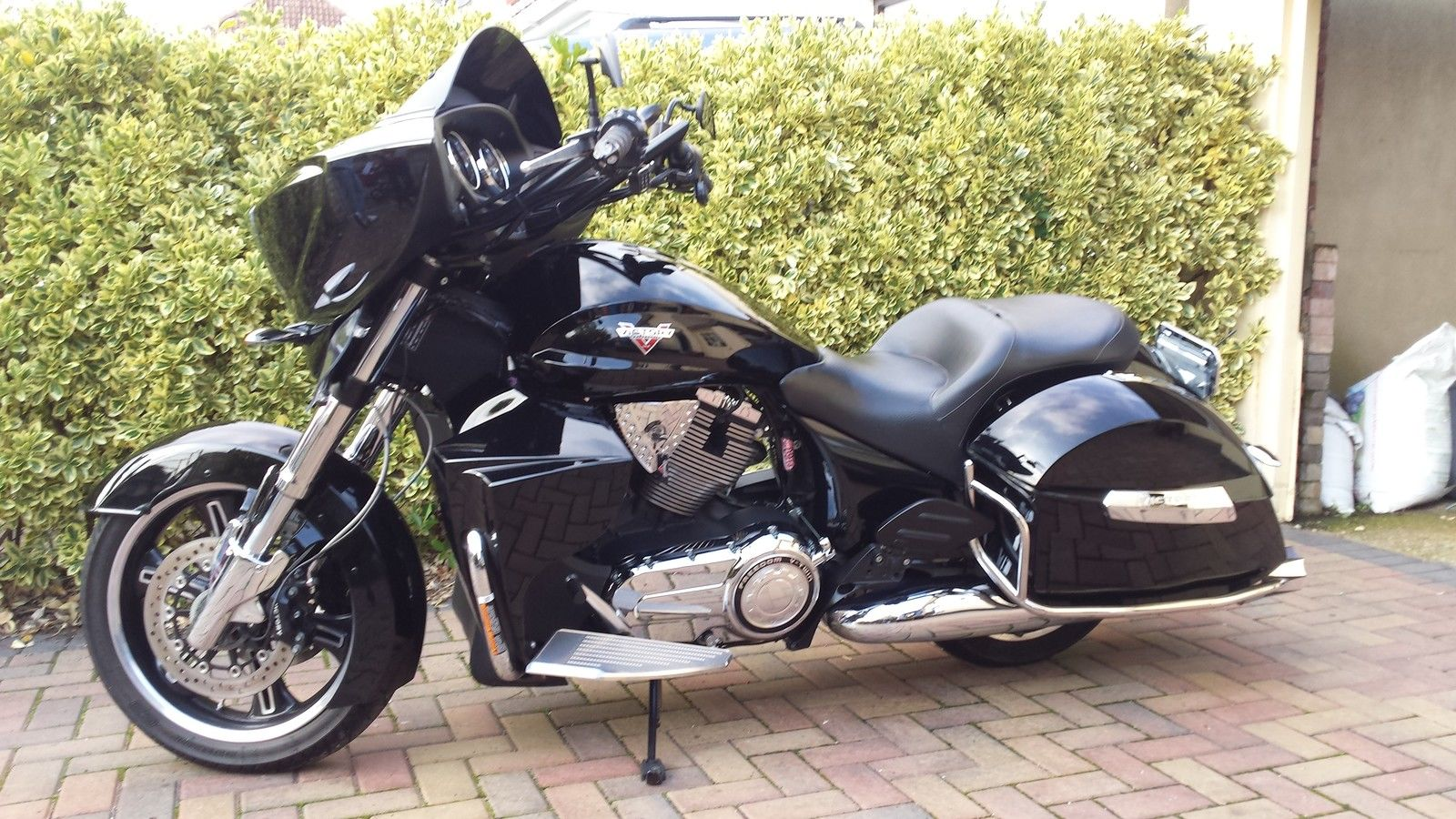 victory cross country tour custom touring bagger harley honda bmw. Black Bedroom Furniture Sets. Home Design Ideas