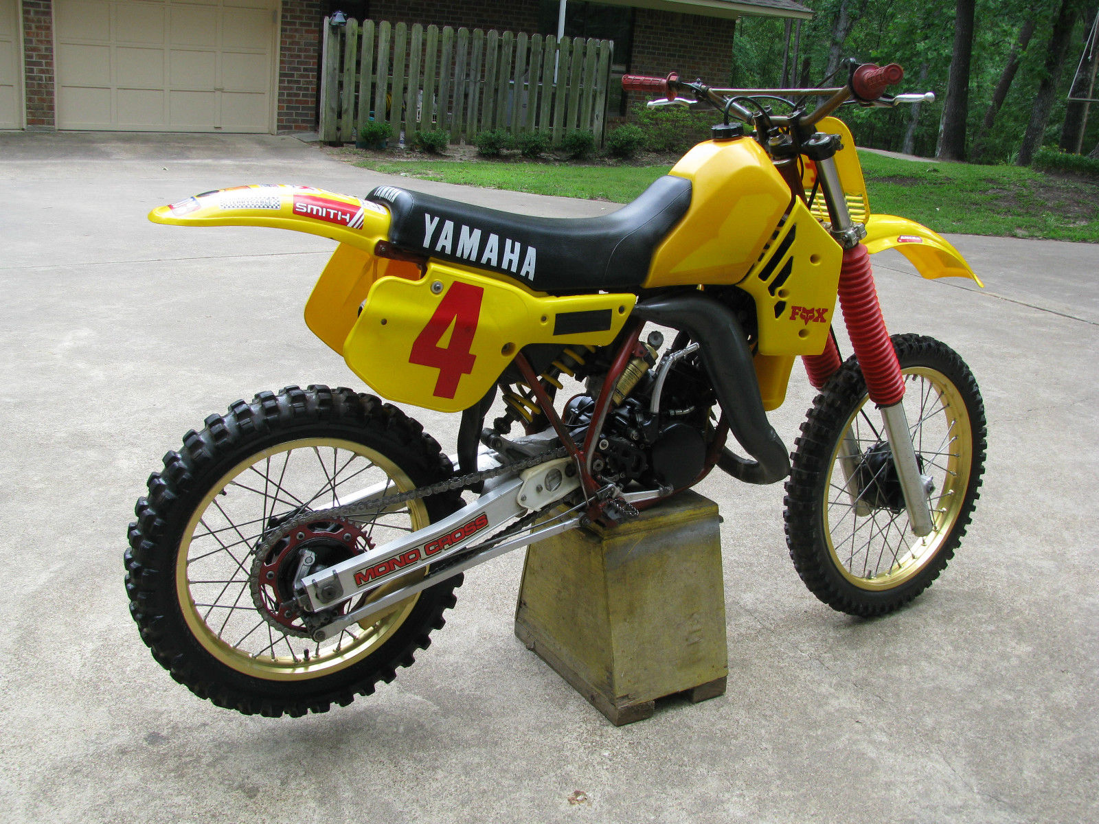 vintage 1984 yamaha yz 125 motocross motorcycle owner. Black Bedroom Furniture Sets. Home Design Ideas